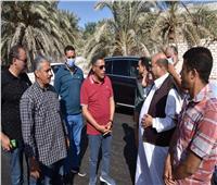 محافظ مطروح يتفقد طرق واحة سيوة استعدادا لافتتاح قلعة شالي القديمة