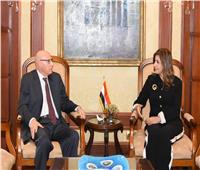 «مكرم» تستقبل الأمين المساعد للجامعة العربية لبحث ملف المصريين بالخارج