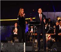هاني شاكر يشارك نادية مصطفى غناء «حاجة غريبة» بحفل «الموسيقى العربية»