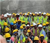 وزير الإسكان يتفقد مشروع إنشاء سد ومحطة جيوليوس بتنزانيا.. صور