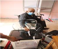 انتخابات النواب 2020 | صور.. كبار السن يتقدمون طوابير اللجان بالقاهرة