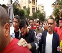 أخبار اليوم | الناخبون يدعمون مؤمن زكريا بتقليد حركته الشهيرة.. فيديو