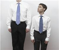 دراسة تحذر: قصار القامة أكثر عرضة للإصابة بـ«كورونا»