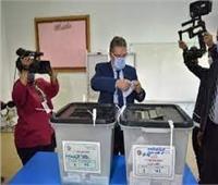 انتخابات النواب 2020| وزير قطاع الأعمال يدلي بصوته في التجمع الأول