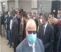 صور| محافظ القاهرة يتفقد سير الانتخابات بلجان السيدة زينب