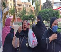 مسيرة نسائية بالزغاريد بلجنة مدرسة الثانوية بنات بشبين الكوم