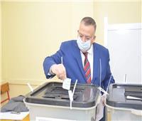 نقيب الأشراف يدلي بصوته في انتخابات النواب بمدرسة الخلفاء الراشدين