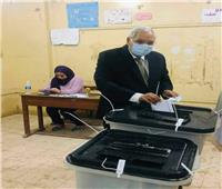 انتخابات النواب 2020 | كمال شاروبيم يدلي بصوته في المنصورة