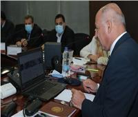 «الوزير» يبحث مع مسئولي بنك الاستثمار الأوروبي تطوير مجالات النقل