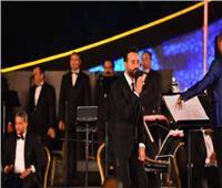«كاد أن يبكي».. كلمات مؤثرة من سعد رمضان عن لبنان بمسرح النافورة