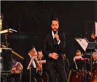 سعد رمضان يُبهر جمهور «الموسيقى العربية» بغناء «شو محسودين».. «صور»