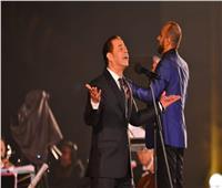 في حفل «كامل العدد».. مدحت صالح لجمهور دار الأوبرا: «بحبكم»