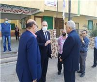 مدير تعليم القاهرة يتفقد مدارس روض الفرج