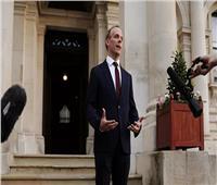 وزير الخارجية البريطاني ينعى كبير المفاوضين الفلسطينيين صائب عريقات