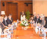بحضور وزيرة الهجرة.. 20 مسؤولا يناقشون محاور «مصر تستطيع بالصناعة»