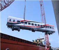 تنزيل 17 عربة قطارات «روسية» جديدة بميناء الإسكندرية