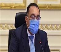 رئيس الوزراء يتفقد «قافلة تحيا مصر» بالعاصمة الإدارية