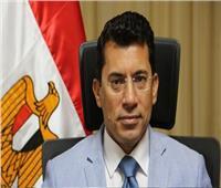 وزير الرياضةيطمئن هاتفياً على حالة «صلاح» بعد إصابته بكورونا