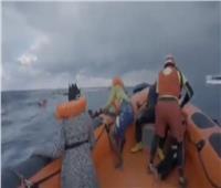 «أين طفلي؟».. فيديو صادم لمهاجرة غير شرعية فقدت ابنها بعد غرق قاربها