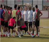 «موسيماني» يحاضر لاعبي الأهلي في المران المسائي