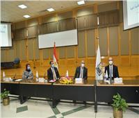 للتحول للجامعة الذكية.. رئيس جامعة أسيوط يستقبل لجنة من «الأعلى للجامعات»