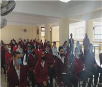 وكيل «التعليم» لطلاب «الضبعة»: نسعى لتخريج جيل وطني قادر على تحمل المسئولية