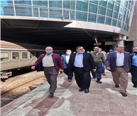 رئيس «السكة الحديد» من محطة الإسكندرية:انتهاء تطويرها ديسمبر المقبل