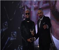 محمد رمضان يوجه رسالة للزعيم بعد فوزه بجائزة أفضل ممثل | فيديو وصور