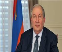 الرئيس الأرمني يدعو لانتخابات مبكرة.. وتسليم الحكم لحكومة وفاق وطني