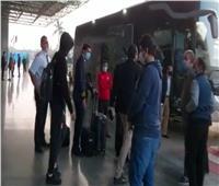 فيديو وصور| النني ينتقل بسيارة خاصة فور وصوله للقاهرة