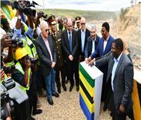 فيديو| وزيرا الكهرباء والإسكان يشاركان في الاحتفال بتحويل مجرى نهر روفيجي