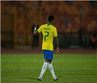 لاعب البرازيل وريال مدريد يوجه رسالة للشعب المصري