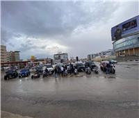 أصحاب السيارات والدراجات البخارية يستعدون لتقديم المساعدات بسبب الأمطار