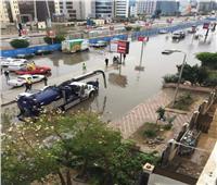 عربات شفط المياه تنتشر في شوارع القاهرة الجديدة