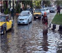 «الونش العبارة» طوق نجاة المواطنين من الأمطاربسموحة.. فيديو