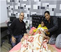ننفرد بأول لقاء مع طفل «الشيخ زايد» ضحية الكلاب.. فيديو وصور
