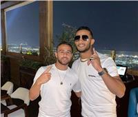 كلاكيت ثالث مرة.. إسرائيلي ينشر صورته مع محمد رمضان