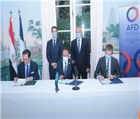 وزيرا النقل المصري والفرنسي يشهدان توقيع اتفاقية لتطوير الخط الأول للمترو