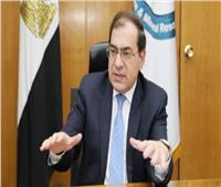 الملا: شركات قطاع البترول تساهم في تلبية احتياجات الدولة بالمشروعات القومية