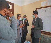 صور| نائب محافظ بني سويف يتفقد اللجان الإنتخابية ويشدد على الإجراءات الاحترازية