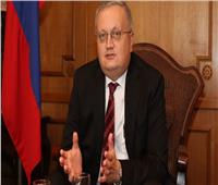 سفير روسيا يبحث مع المجلس المصري للشئون الخارجية العلاقات بين البلدين