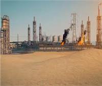السعودية: نشوب حريق في خزان للوقود بجدة نتيجة اعتداء إرھابي بمقذوف