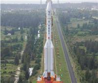 الصين تطلق مركبة فضائية لجمع عينات من القمر