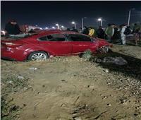 مصرع 4 وإصابة 13 في تصادم سيارتين بعربة مجندين شرطة بطريق السويس