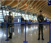 فيديو| فوضى في مطار شنجهاي بعد إلغاء أكثر من 500 رحلة