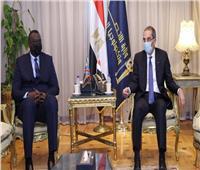 وزير الاتصالات يبحث مع نظيره الكونغولي التعاون في التحول الرقمى