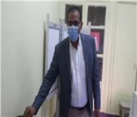 رئيس جامعة أسوانيدلي بصوته في انتخابات مجلس النواب
