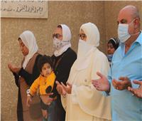 أسرة الشيخ «الحصري» تحيي ذكراه الـ40 بالدعاء والكلمات المؤثرة| فيديو