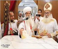 في عيد مارمينا.. تدشين مذبح وسيامة شمامسة بكنيسة الدويك