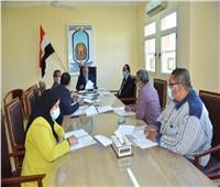 رئيس جامعة الأقصر يجتمع بوكلاء الكليات لشئون التعليم والطلاب